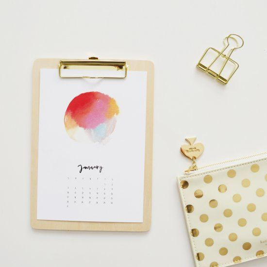 Start off 2016 with this A4 FREE printable watercolor calendar!
