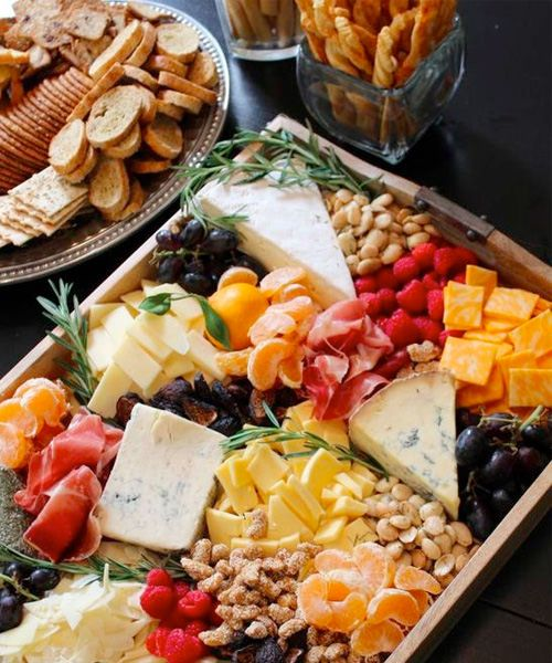 Swoon Worthy Christmas House Tour: 15 Swoon-Worthy Cheese & Charcuterie Boards