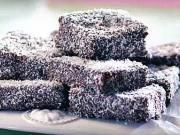 Kokosové ježe - recept na orieškovo - karamelové  rezy s kokosom