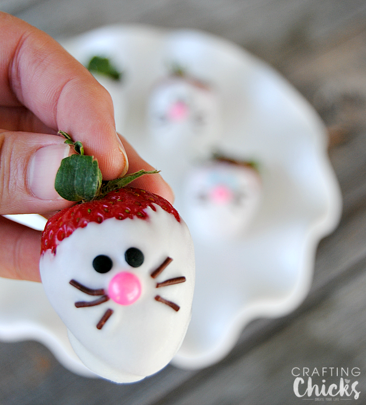 Bunny Face Strawberries | Cute easter desserts, Bunny face ...