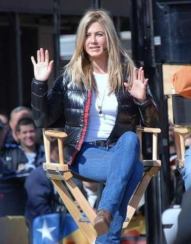 Jennifer Aniston Directing Project Five 2011 | Jennifer aniston ...