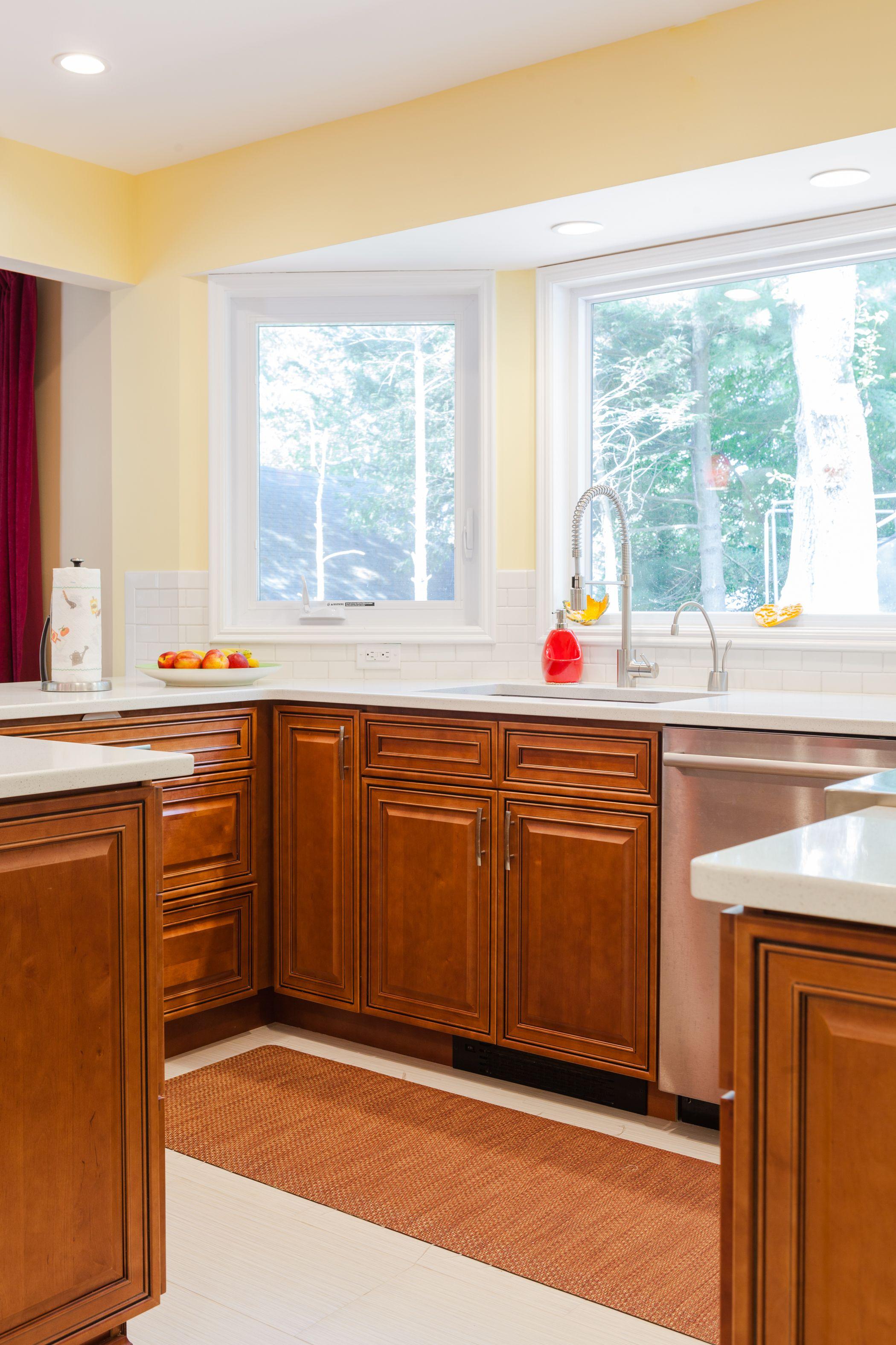 J&K Mocha Glazed Traditional Maple Wood Cabinets. Style ...