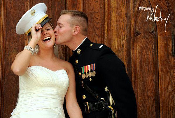 Les 25 meilleures id es de la cat gorie photos de mariage for Don de robe de mariage militaire
