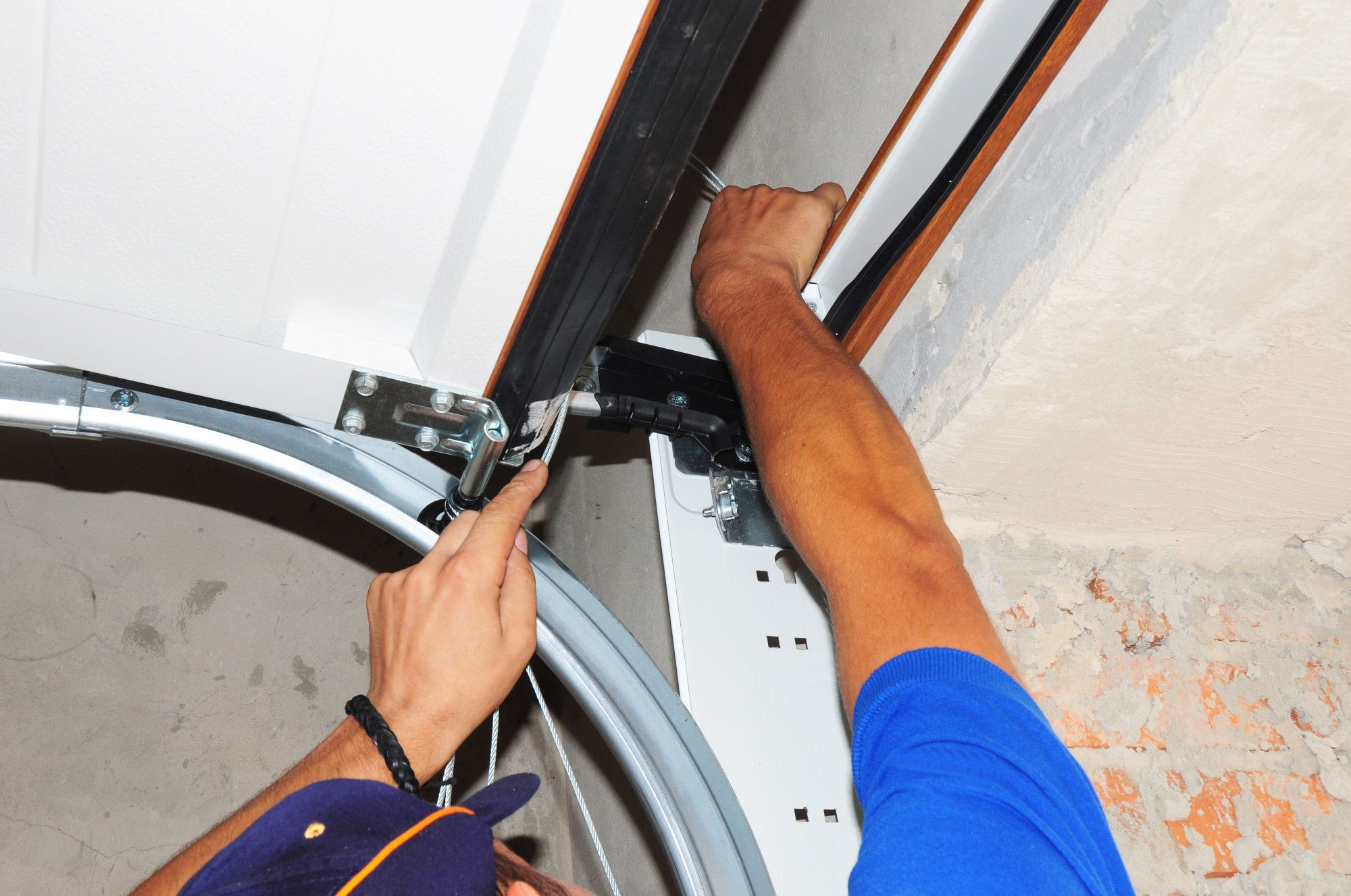 How To Repair Garage Door Springs And Cables Garage Door Springs