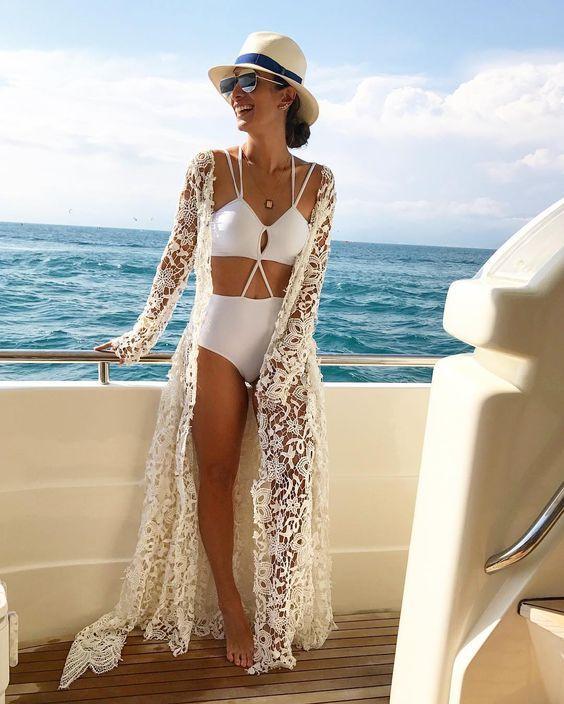 ab48ebde6 Conheça todas as tendências de Saídas de Praia Verão 2018. Transparência,  crochê, renda