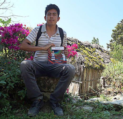 Con libro traducido al mazateco llevan la nanotecnología a la sierra alta de Oaxaca - http://webadictos.com/2015/05/14/libro-mazateco-nanotecnologia/?utm_source=PN&utm_medium=Pinterest&utm_campaign=PN%2Bposts