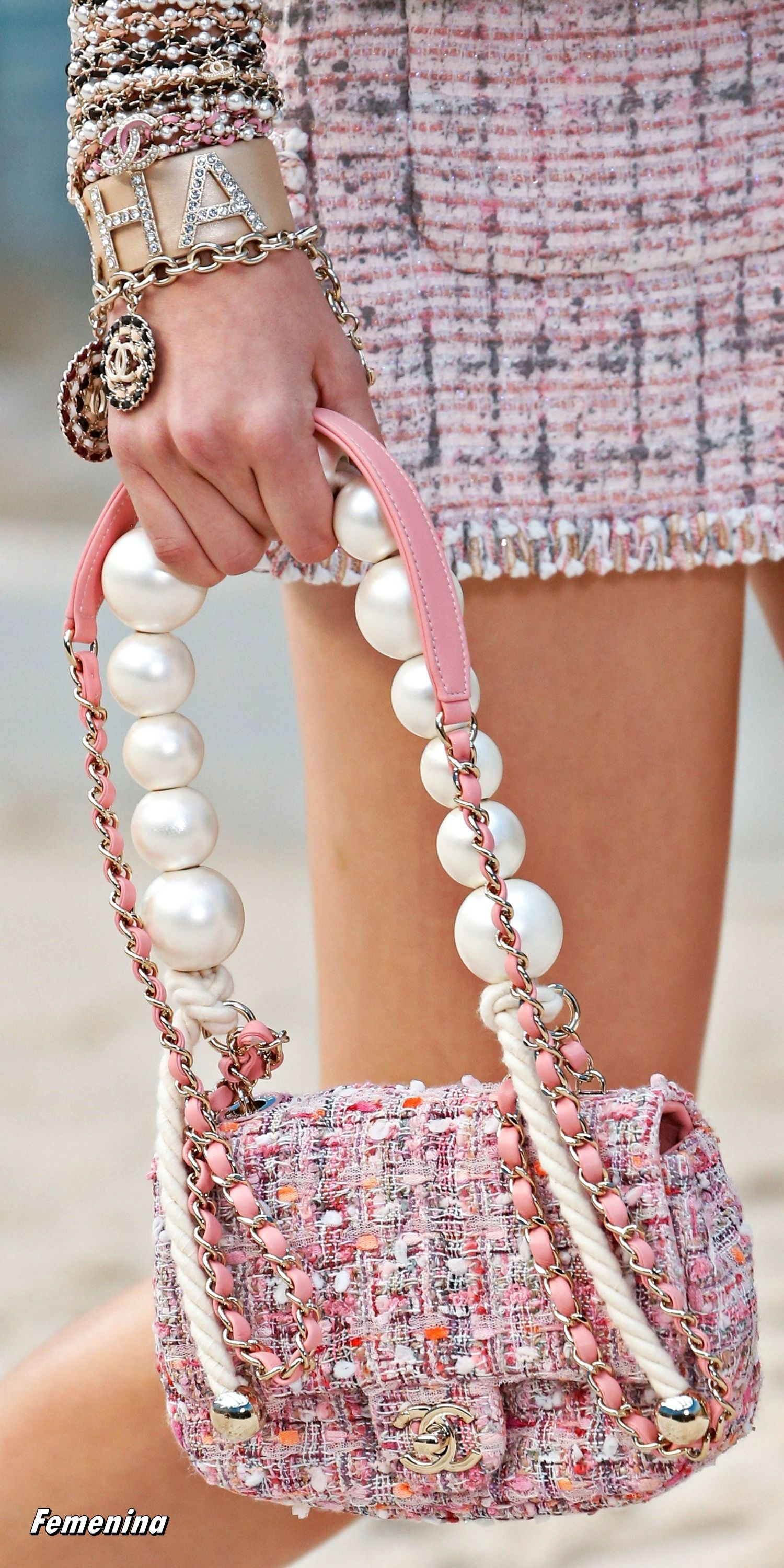 07382ae1e1a7 Chanel Spring Summer 2019 RTW -Details bag accessories
