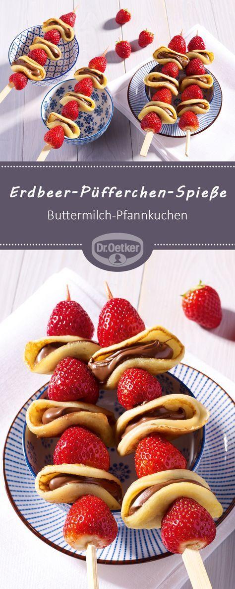 ErdbeerPüfferchenSpieße Ein fruchtiger Snack aus Erdbeeren und ButtermilchPfannkuchen