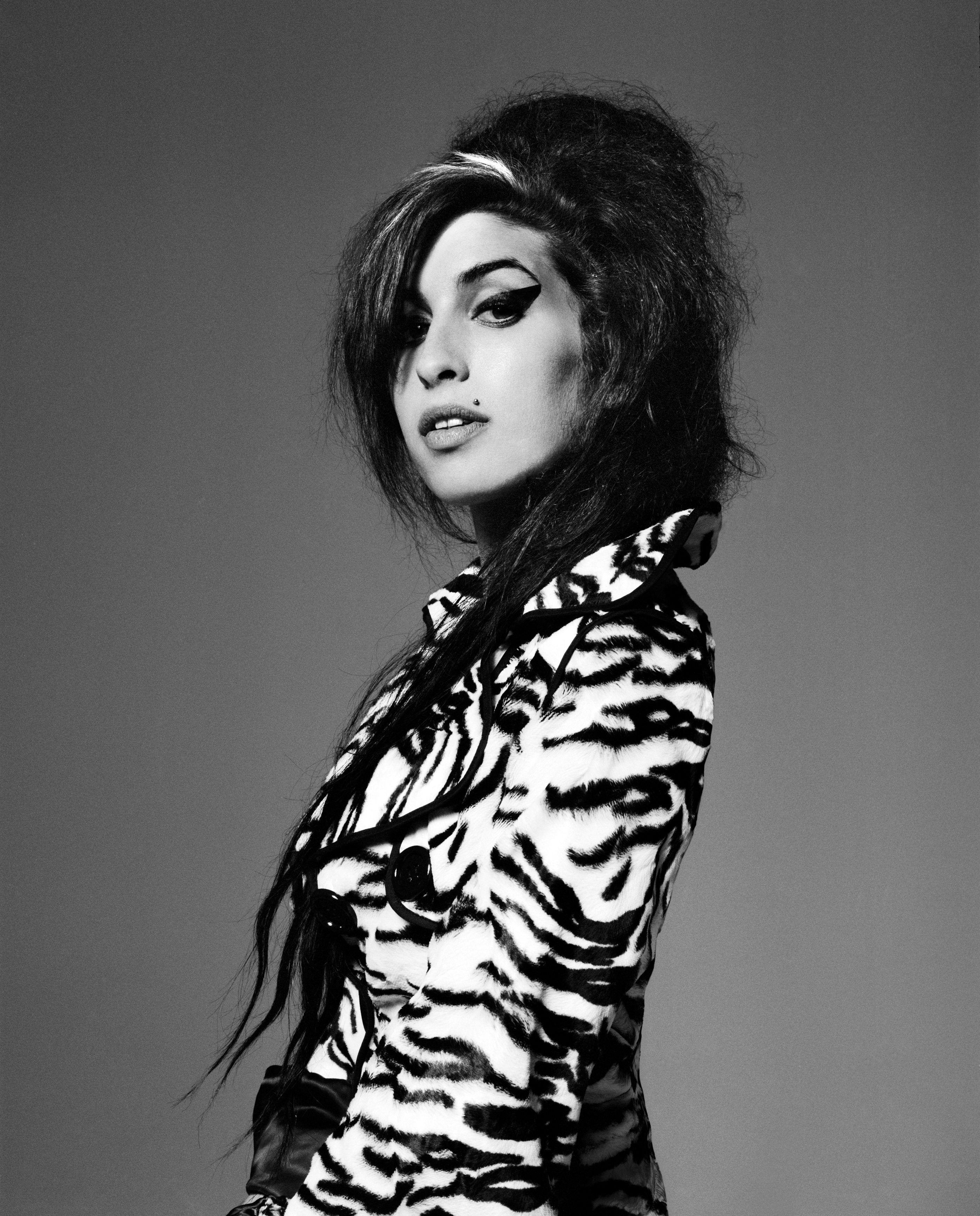 Amy Winehouse I Go Back To Black Again Amy Winehouse Amy