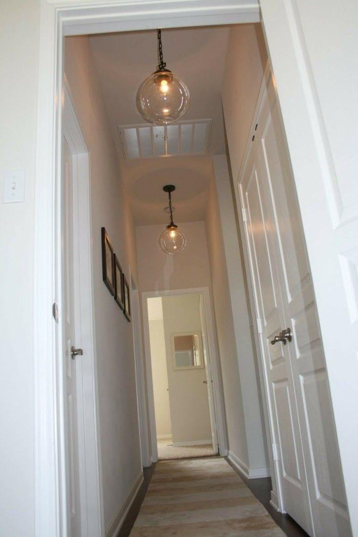 illuminazione corridoio stretto lungo pavimento parquet tappeto lampade soffitto decorazione. Black Bedroom Furniture Sets. Home Design Ideas