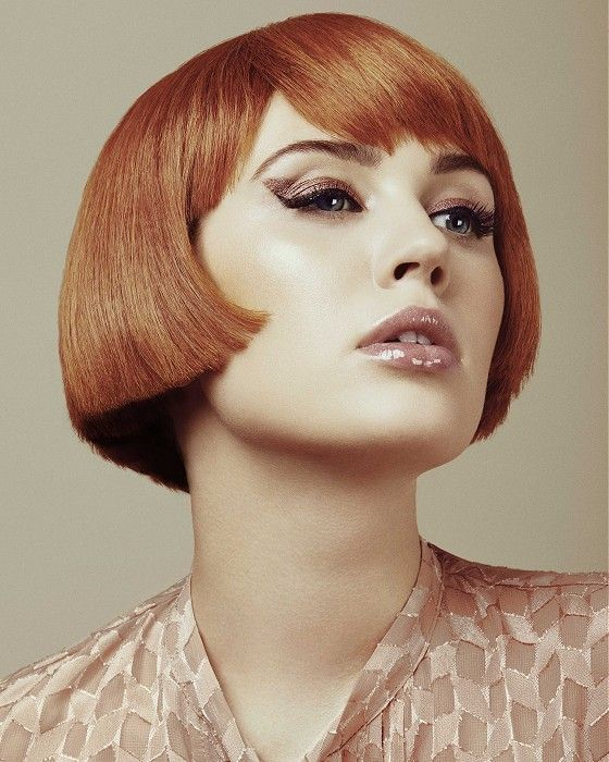 Tchip Coiffure Short Red Straight Hair Styles Ukhairdressers Com Model Hair Hair Styles Short Red Hair