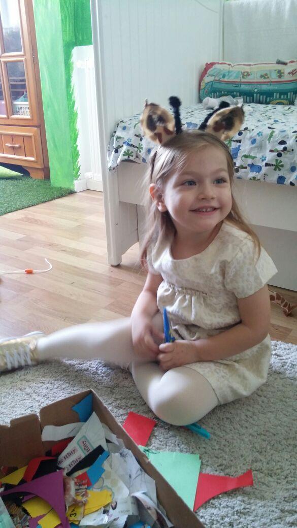 Zoo party giraffe birthday girl