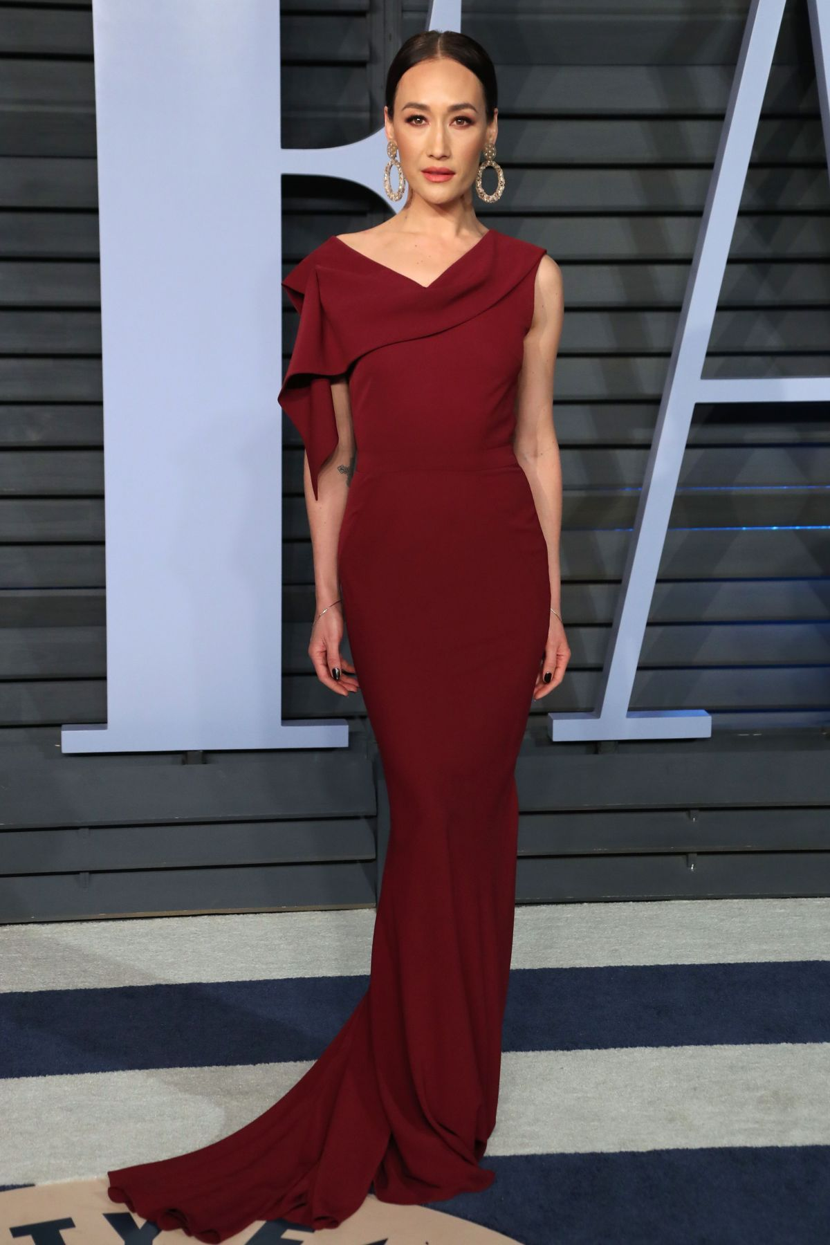 Alicia Bogo Desnuda maggie q at the 2018 vanity fair oscars party #2018 #party