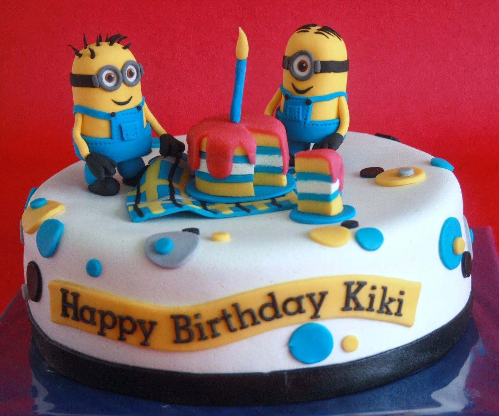Minion Taart Wollie S World Of Cakes Minion Taart Cakes In 2019 Cake