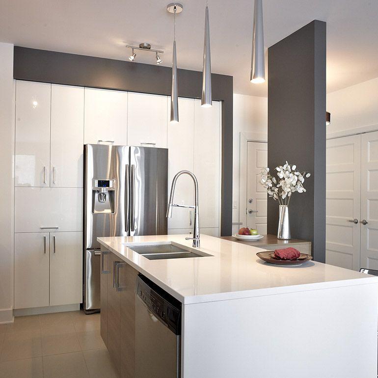 Vue intérieur de l\u0027ilot de la cuisine contemporaine avec comptoir de - Cuisine Contemporaine Avec Ilot