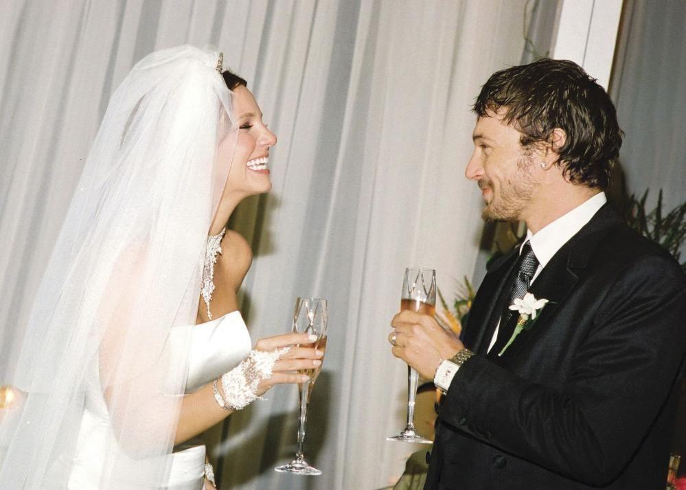 Fein Britney Spears Brautkleid Bilder - Brautkleider Ideen ...