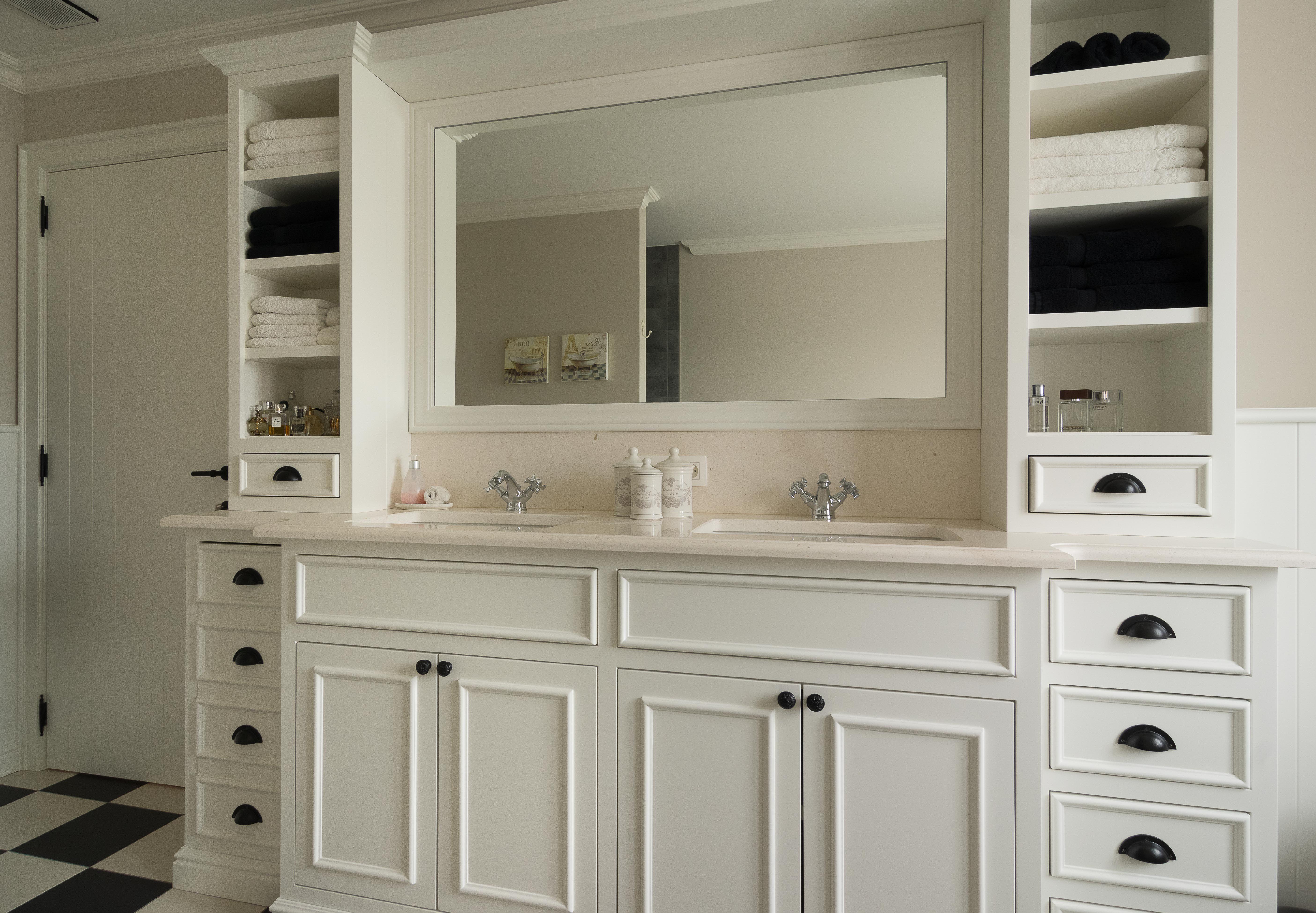 Badkamerkast Landelijke Stijl : Teakhouten meubelen en landelijke tafels kasten dressoirs vitrine