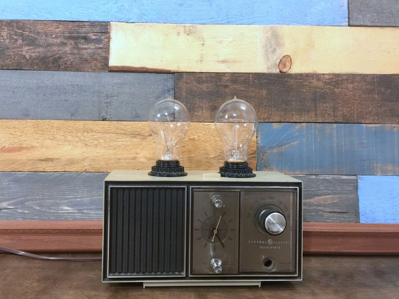 Vintage Radio Lamp Antique Radio Table Lamp Desk Lamp Upcycled Lighting Repurposed Retro Radio Vintage Rad Vintage Lamps Vintage Radio Upcycled Lighting