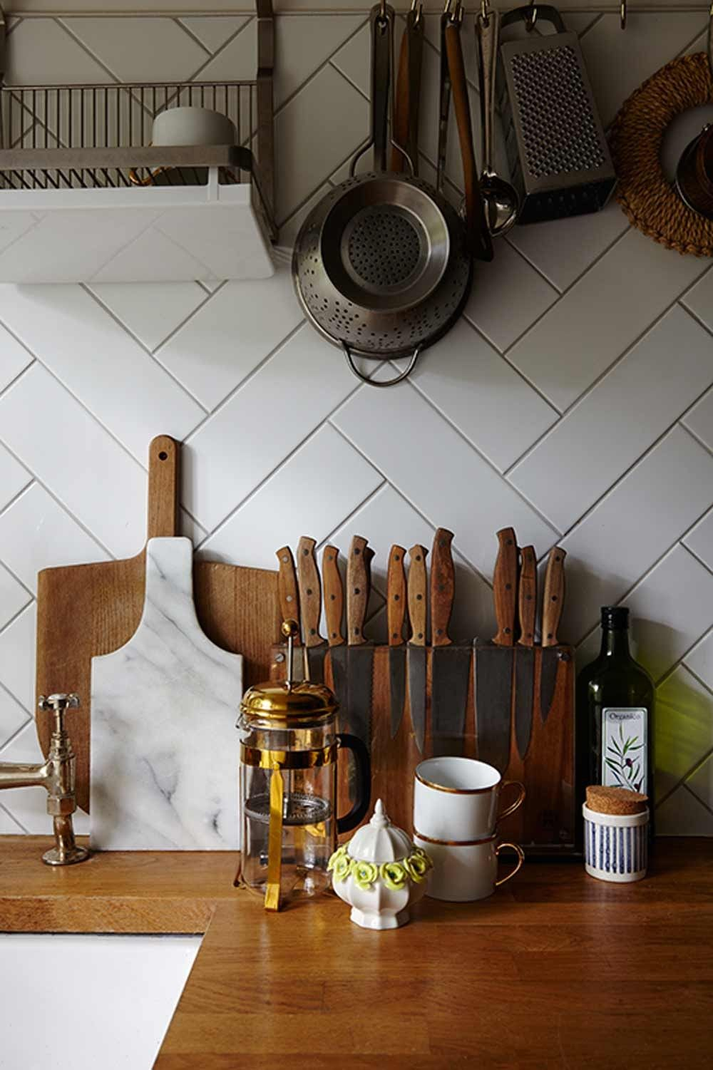 An East London Art Deco Flat for Family   House, Cocinas y Deco