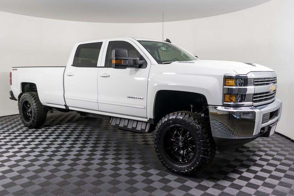 Carfax Used Trucks >> 2017 Chevrolet Silverado 3500 Lt 4x4 Les Schwab Clean Carfax Two