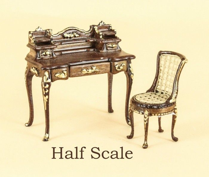 """Gold Show Table MUSEUM QUALITY DOLLHOUSE FURNITURE 1//12 or 1/"""" Scale BESPAQ"""