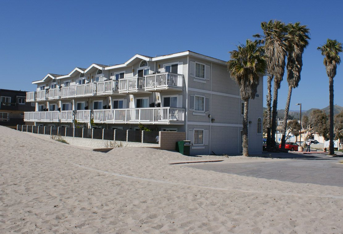 End Of Seaward Blvd Right On The Beach In Ventura Ca Hotel We Ll Be There 1 Month