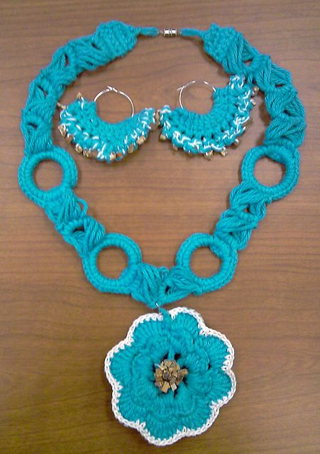 Crochet Flower Necklace Pattern By Scarfanatic1 Jewelry