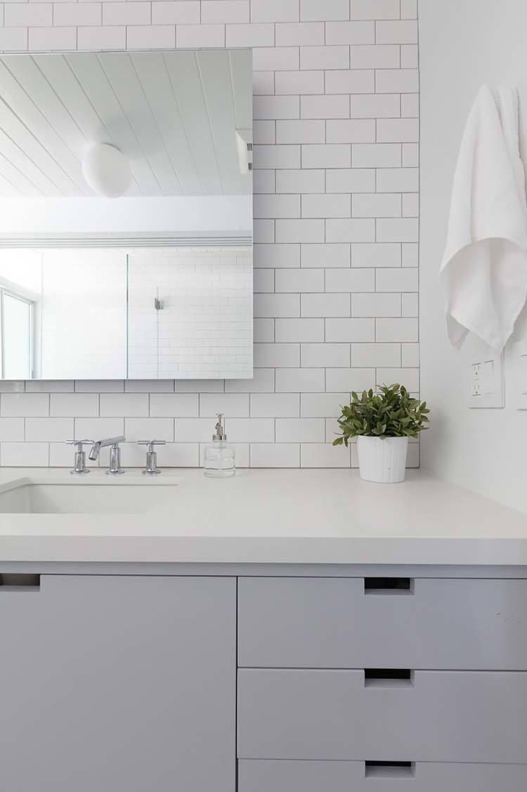 37 Amazing mid-century modern bathrooms to soak your senses | Mid ...