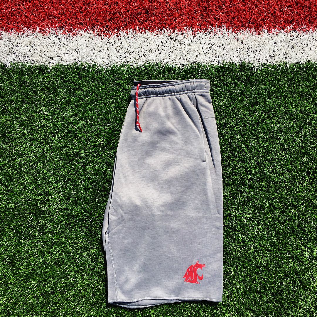 """136 Likes, 6 Comments - Washington State Football EQ (@cougequipment) on Instagram: """"Players will be traveling cozy & swaggy in the new travel sweat-shorts 🔥 #CougSwag #GoCougs #SpeedD…"""""""