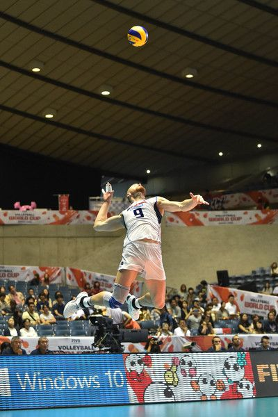 Ivan Zaytsev Photos Photos Italy V Russia Fivb Men S Volleyball World Cup Japan 2015 Mens Volleyball Volleyball Poses Volleyball Wallpaper
