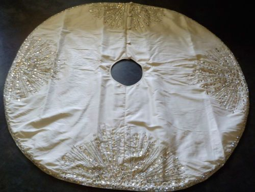 Kim Seybert Ivory Silver Gold Beaded Christmas Tree Skirt