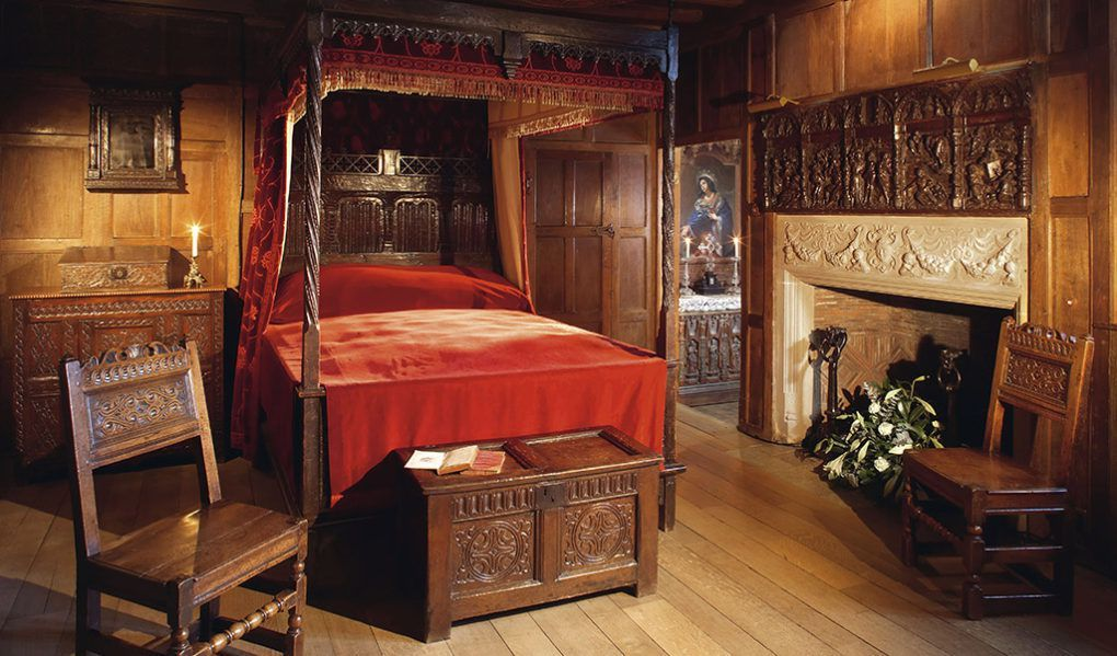 anne boleyn 39 s bedroom and prayer books british manors. Black Bedroom Furniture Sets. Home Design Ideas