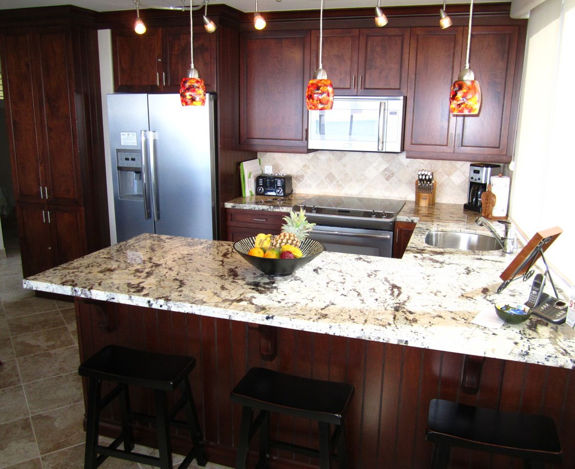 Cherry cabinets with Japurana Delicatus granite - looks similar to ...