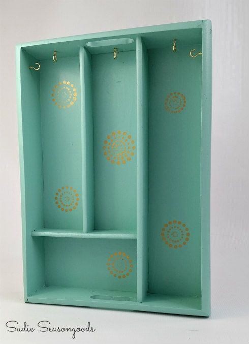 The Good Life Blog A Thrifty Jewelry Organizer for the New Year