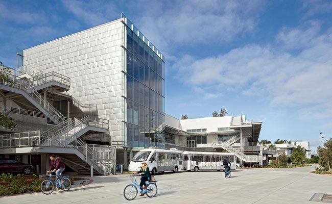 Facebook Building 20 by Gehry Partners   Architecture