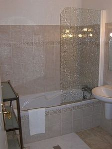 How To Remove Soap Scum From Shower Doors And Walls With Common