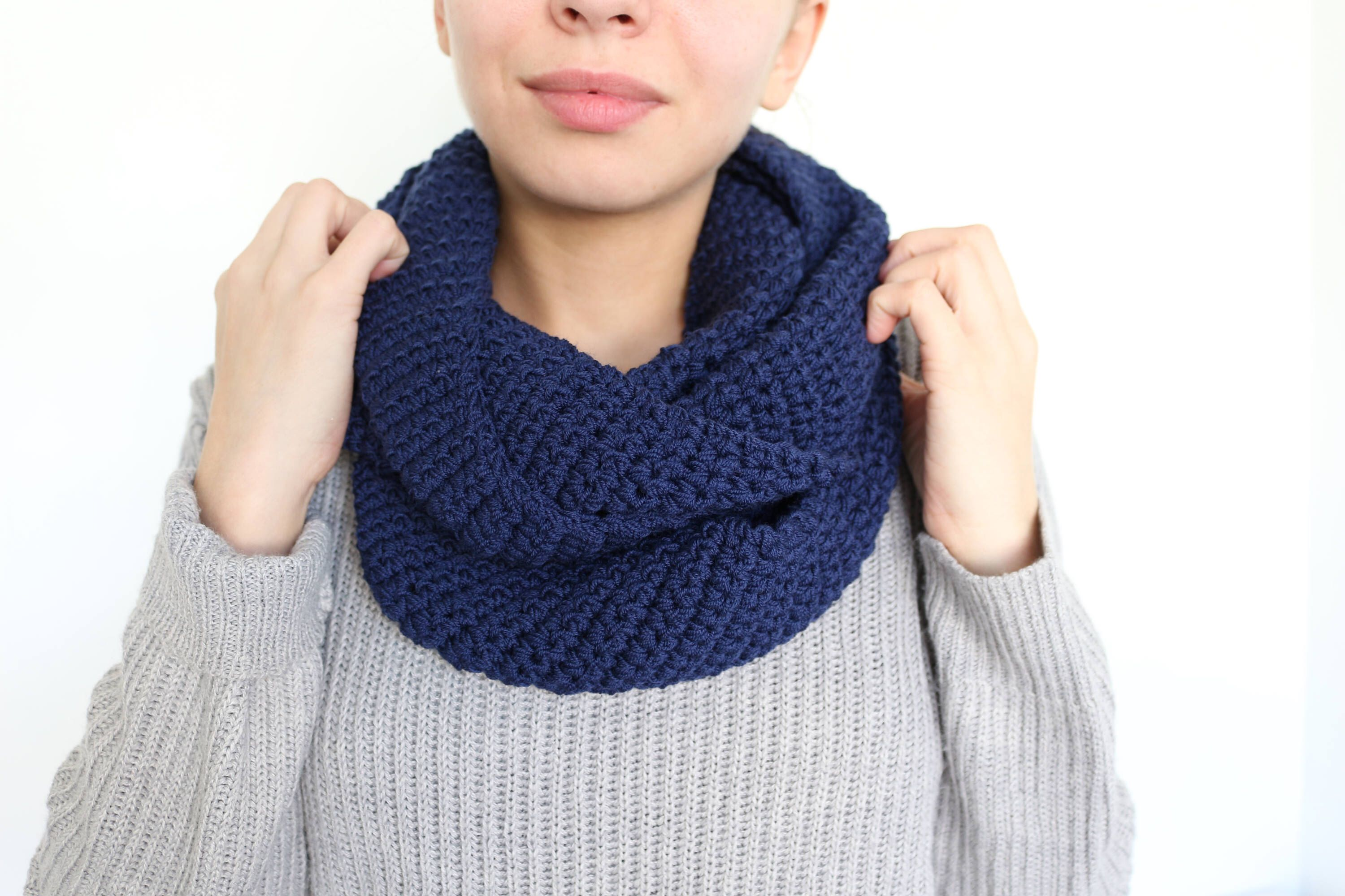 Knitting Loop Scarf : Round scarf infinity cowl circle loop knit