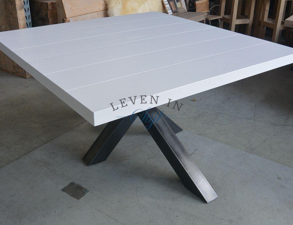 Eettafel Wit Vierkant.Design Witte Vierkante Eettafel Met Ijzeren Ondertstel Op Maat