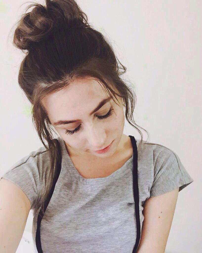 Dodie Clark Dodie Clark Short Hair Styles Pretty People