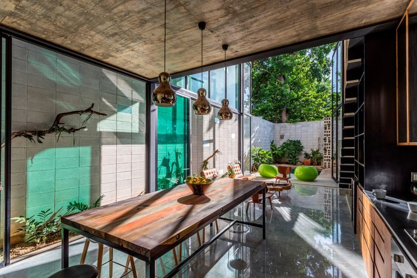 Great Taller Estilo Installs Double Height Glass Doors To Concrete Dwelling In  Mexico City