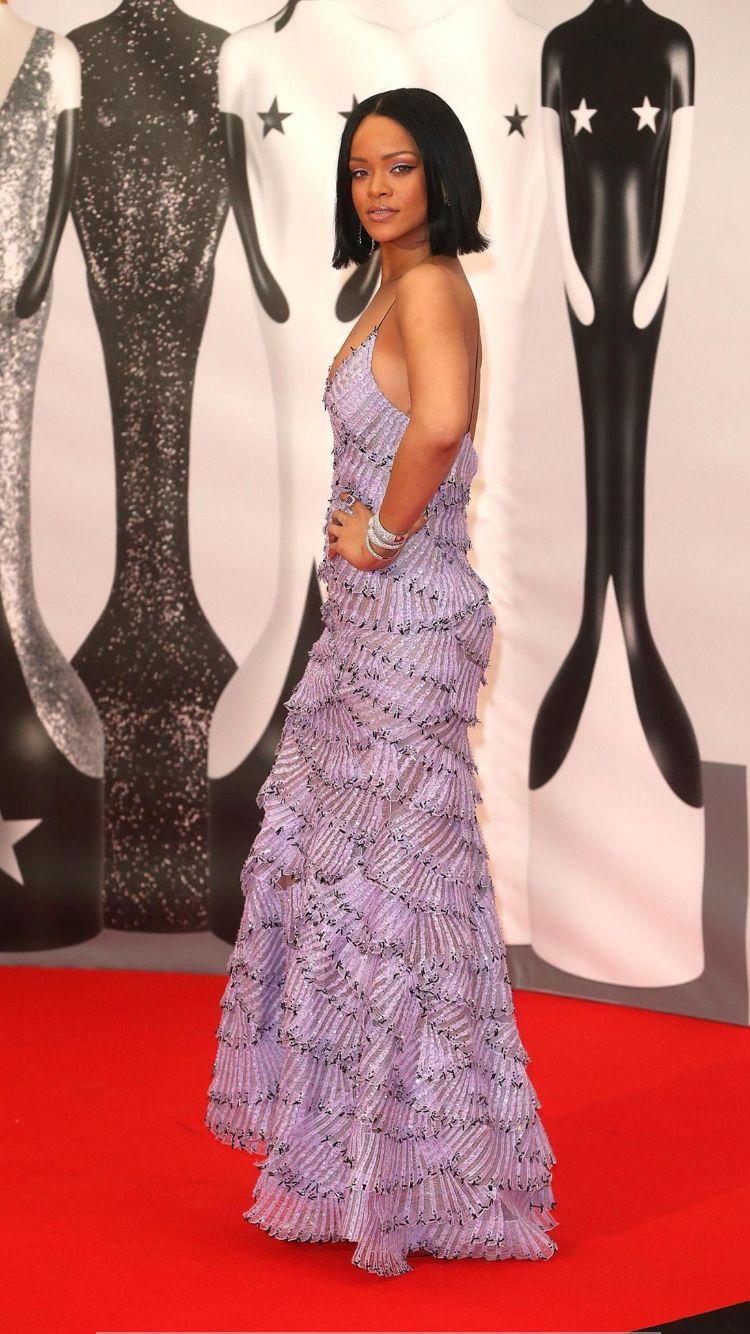 Rihanna in Armani prive for the Brits awards 2016 | Brit ...