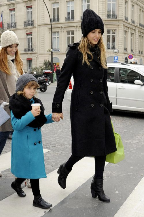 Jessica Alba and Honor are a Matching Pair in Paris [USA ONLY]