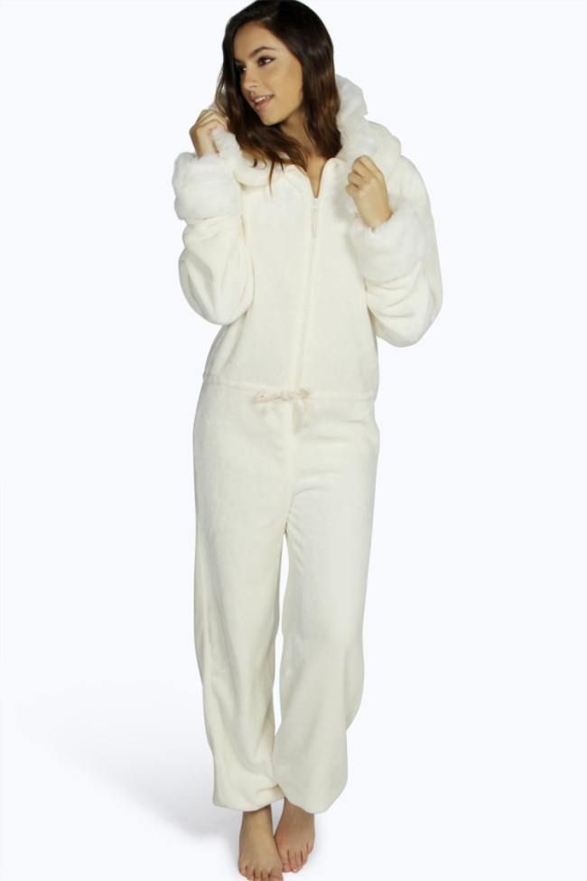 4186a6200b9d Lazyday lovers take note! The season s most coveted way to get cozy ...