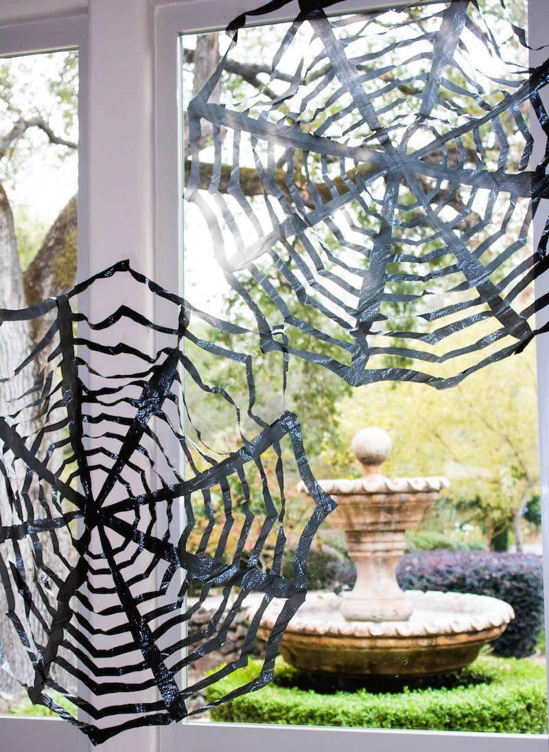 DIY Trash Bag Spiderwebs (Cheap  Easy Halloween Decor!) Trash bag - Office Halloween Decor