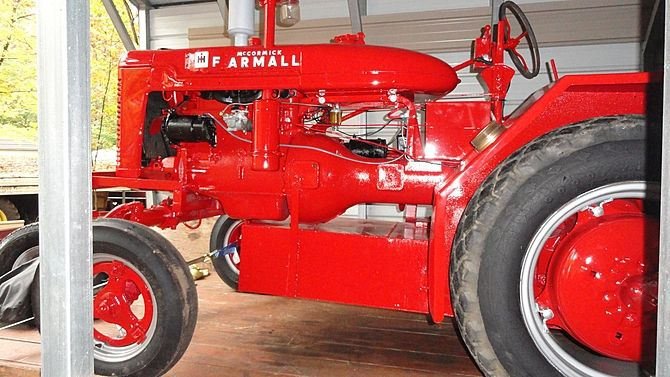 1941 Farmall Fire Engine Tractor Fabricated by Stephen Fire Apparatus Company presented as lot G34 at Harrisburg, PA 2015 - image2