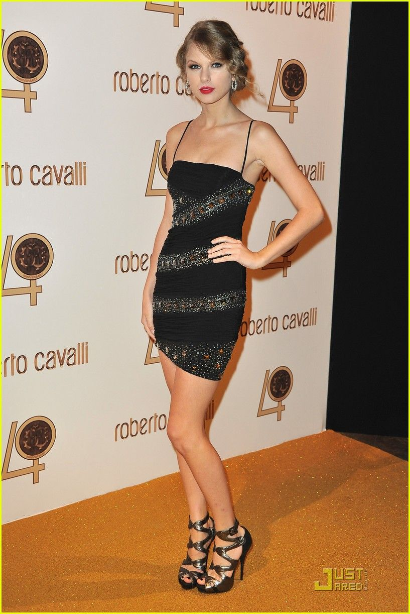 Taylor Swift   Taylor swift dress, Taylor swift style ...