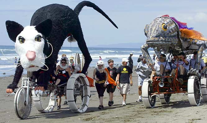 Kinetic Sculpture Race with Grandma & Grandpa, Arcata CA - May 2015!!!