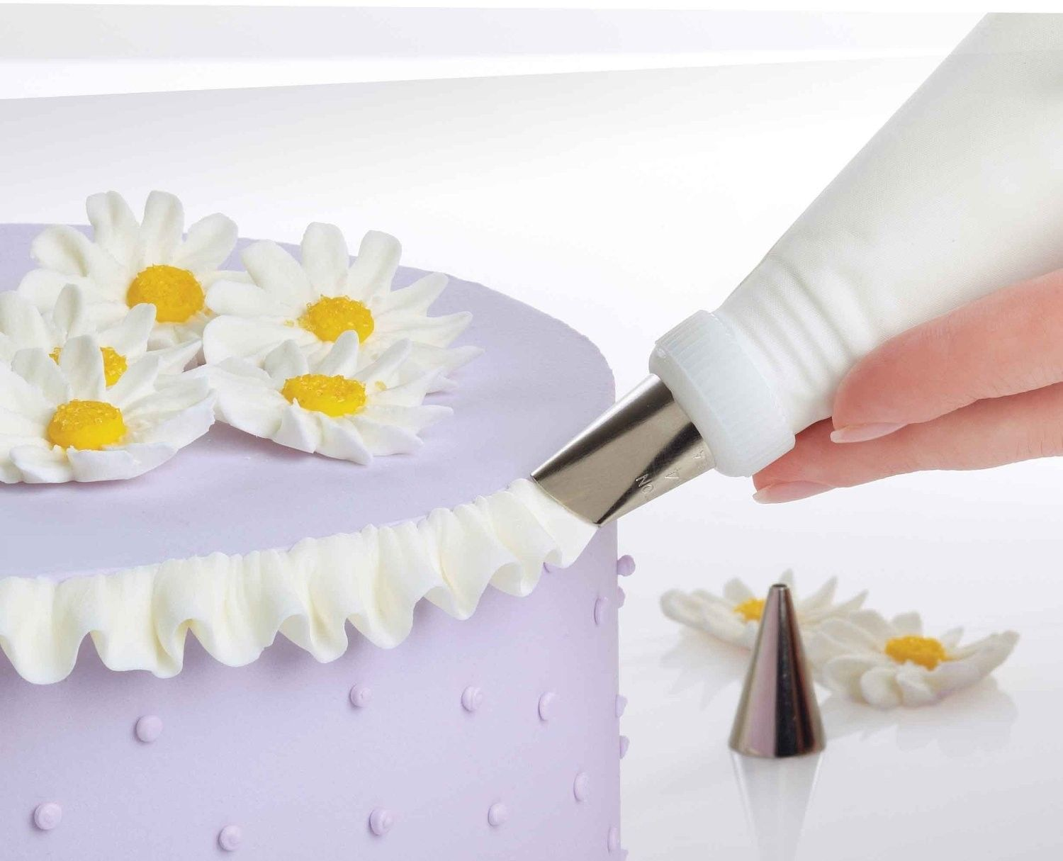 Free Cake Decorating Kit : Wilton Professional Cake Decorating Set Kit Tips Case Flower Nail ... Boutique Cakes ...