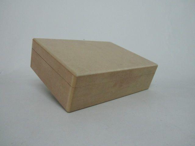 Caja de madera diseño simple
