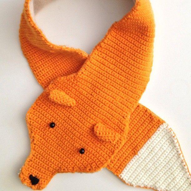 Foxy crochet scarf